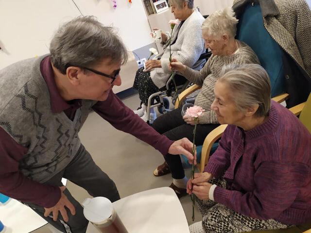 MDŽ v Senior Care