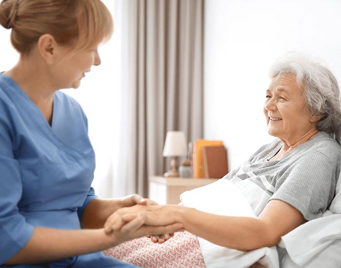 Dlhodobá opatrovateľská a ošetrovateľská starostlivosť o seniorov